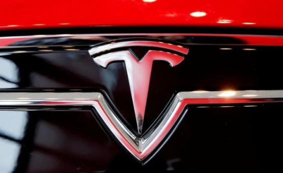 'Este coche es la bomba' dice Musk en el lanzamiento del Tesla Model S Plaid
