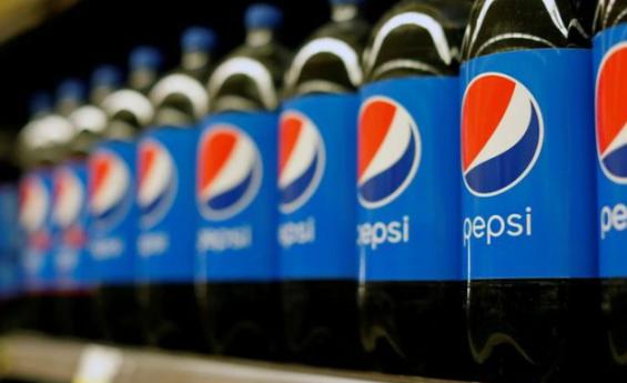 PepsiCo eleva pronóstico de ingresos anuales ante demanda por refrescos