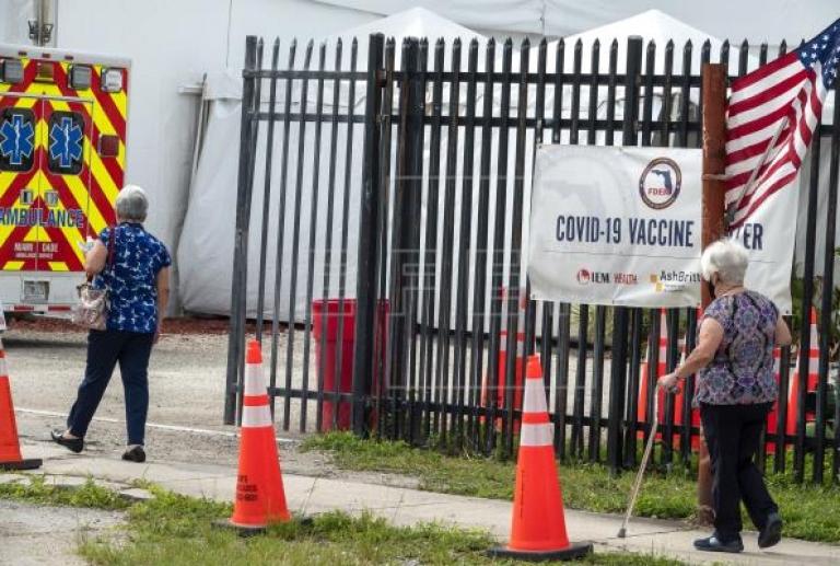 EE.UU. no volverá a los confinamientos pese a la subida de casos de covid-19